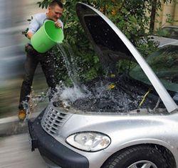 Мыть двигатель автомобиля