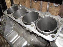 Гильзовка алюминиевого блока цилиндров чугунными гильзами в engine-repairing.ru