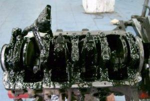Масло в цилиндре двигателя: причины - engine-repairing.ru
